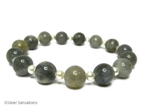 Glowing Grey Labradorite & Cream Pearl Beaded Bracelet